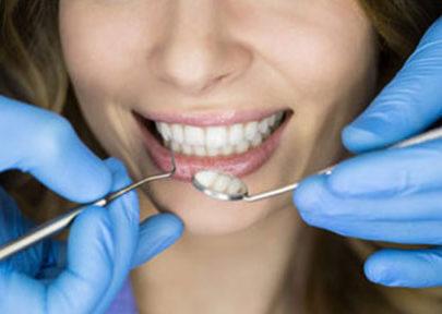 Les interventions dentaires pour un beau sourire