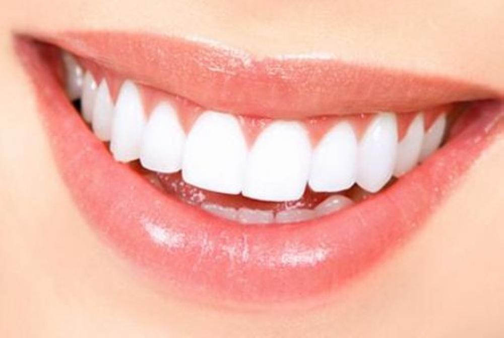 La greffe osseuse et la pose d'implant dentaire